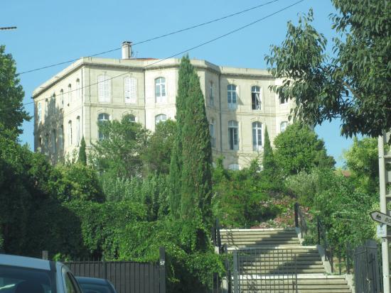 Auberge De Jeunesse Marseille Bois Luzy Htel France