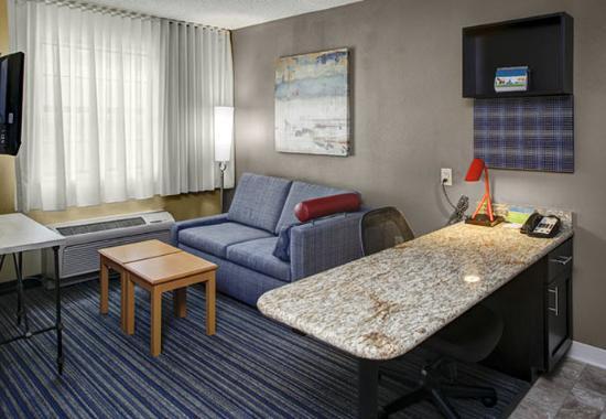 Great 2 Bedroom Hotel Suites Near Atlanta Ga Charleston I Ii Banquet