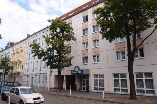 DAYS INN BERLIN WEST  118       1    6    5        Updated 2018 Prices   Hotel     All photos  186  186