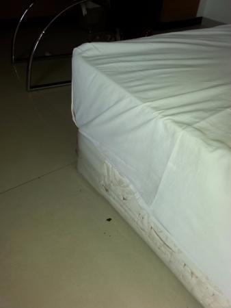 Hi 5 Hotel No Bed Just A Mattress Over