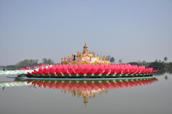 Saman Rattanaram - Picture of Wat Saman Rattanaram Temple ...