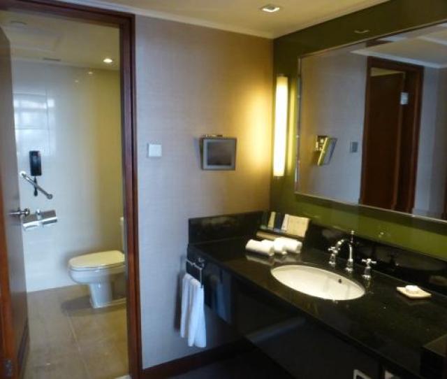 Marco Polo Hongkong Hotel Bathroom