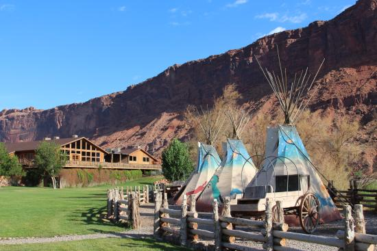 Red Cliffs Lodge Moab UT 2017 Hotel Review Family