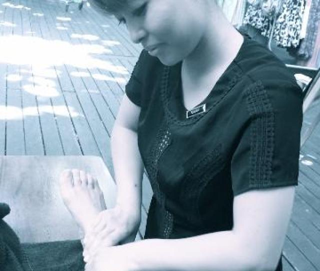 Oiled Massage Green Island Foot Massage Outside