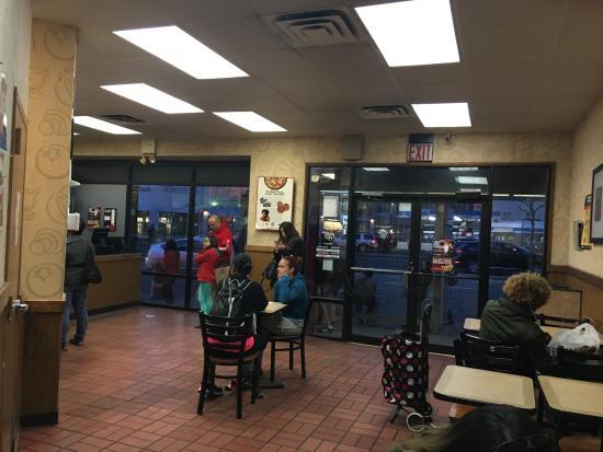Pizza Hut Rego Park 9608 Queens Blvd Menu Prices Restaurant Reviews Order Online Food Delivery Tripadvisor