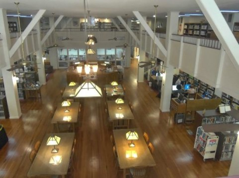 Beautiful Library in the Black Belt   Review of Demopolis Public     Demopolis Public Library