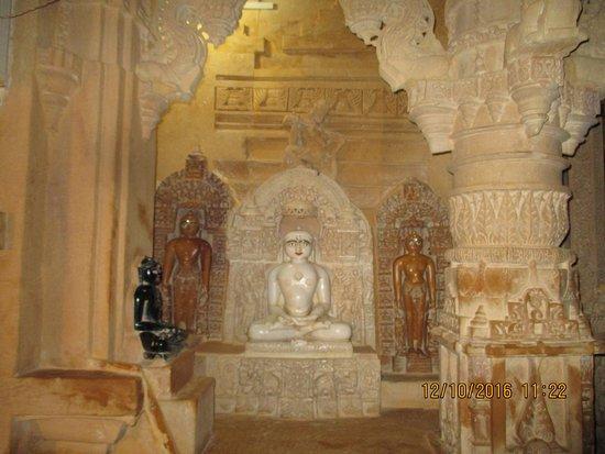 5. Kunthanath Temple
