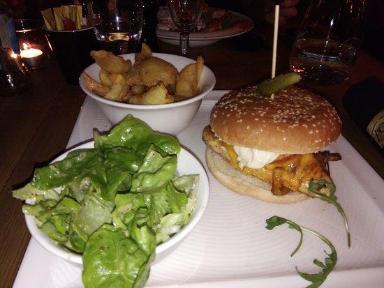 Chicken Tchiz Burger Picture Of Restaurant Le T Chiz Saint