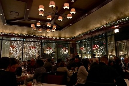 new york and sushi bar in authentic entertaining hibachi restaurant where to dine for christmas in las vegas phil s italian steakhouse treasure island