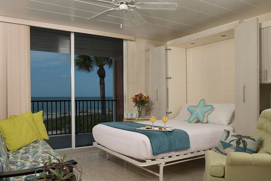 Island House Apartment Motel Efficiency Studio Queen Murphy Bed Unit