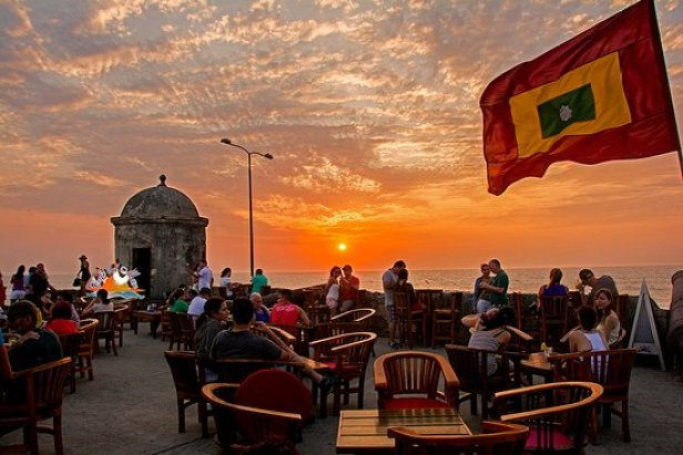 Resultado de imagem para Café del Mar cartagena