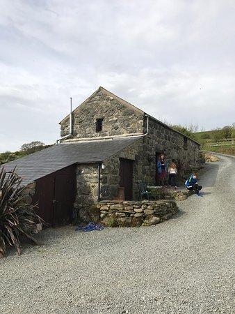Tyddyn Iolyn Farmhouse Pentrefelin Cottage Reviews