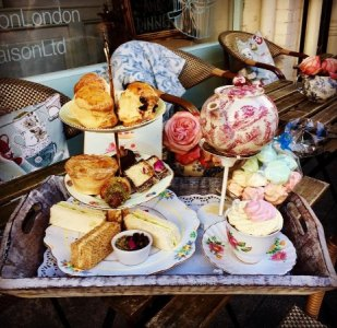 Afternoon tea at Fait Maison s Salon de th      144 Gloucester Road     Fait Maison Salon de The  Afternoon tea at Fait Maison s Salon de th      144