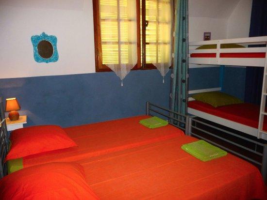 4 couchages avec 2 lits twin et 2 lits