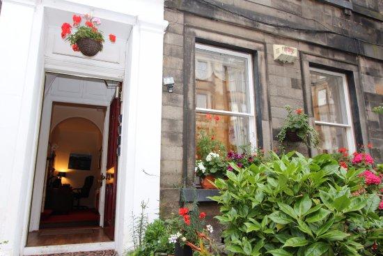 Valentine City Centre Guest House Edinburgh 2018