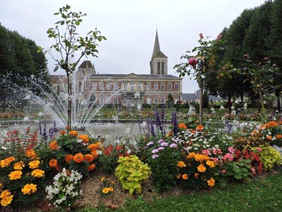 Jardin de L'Eveche (Lisieux) - 2020 Qué saber antes de ir - Lo más ...
