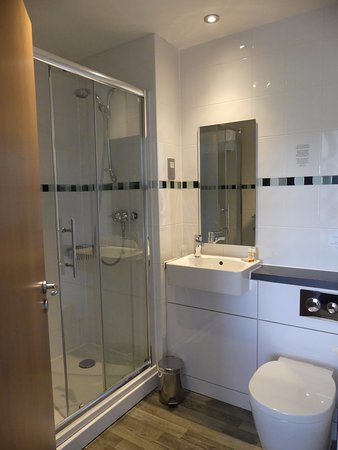 The Small Shower Room Picture Of The County Arms Truro Tripadvisor
