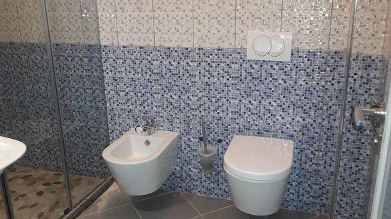 equipement salle de bain wc et bidet