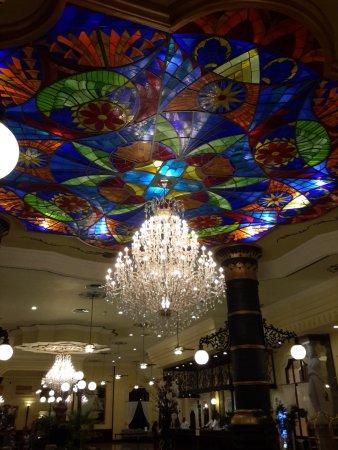 Hotel Riu Palace Punta Cana Massive Chandelier In The Main Lobby Of