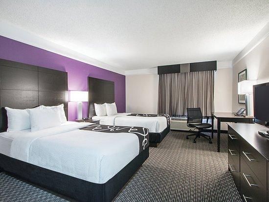 Michigan And Utica Quinta La Inn Suites
