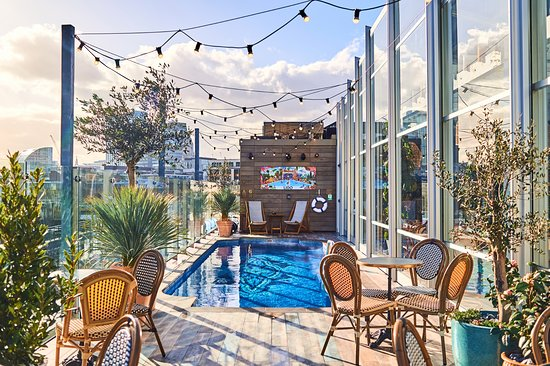 lido rooftop bar restaurant and pool