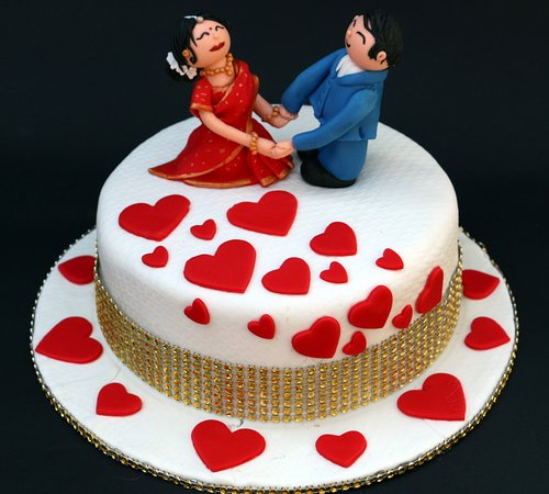 Couple theme Cake  Best for Couples and Valentines Day Cake     Kreative Kakez  Couple theme Cake  Best for Couples and Valentines Day Cake