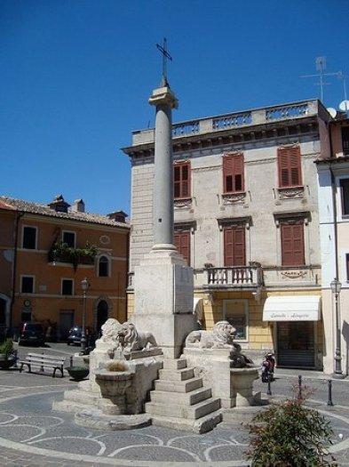 Piazza del popolo (Piazza dei Leoni) (Monterotondo)