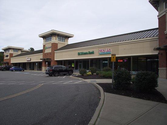 Shopping Along Us Route 20 Review Of Hamilton Square Guilderland Ny Tripadvisor