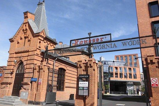 Centrum Praskie Koneser (Varsovia) - 2020 Qué saber antes de ir ...