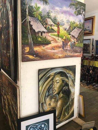 Artists decry continuous locking of Abuja Arts, Craft Village