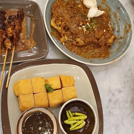 Indonesia Food Resto Yummy No Wifi Ac Ok Oxtail Soup Tahu Telor Chicken Satay Tahu Goreng Yummy Plus Petis Enak Juga Picture Of Jong Java Indische Recipe Surabaya Tripadvisor