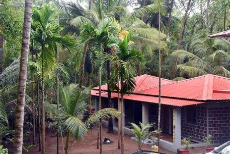 MANU'S KELSHI BEACH RESORT (Dapoli, Maharashtra) - Hostel Reviews, Photos,  Rate Comparison - Tripadvisor