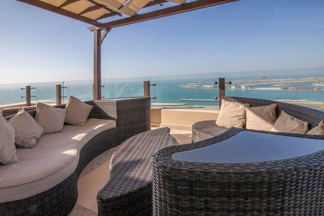 BEST TERRACE IN THE JBR BEACH WALK! FROM HERE DUBAI TV HAS RECORDED THE  FIREWORKS 2013-4!