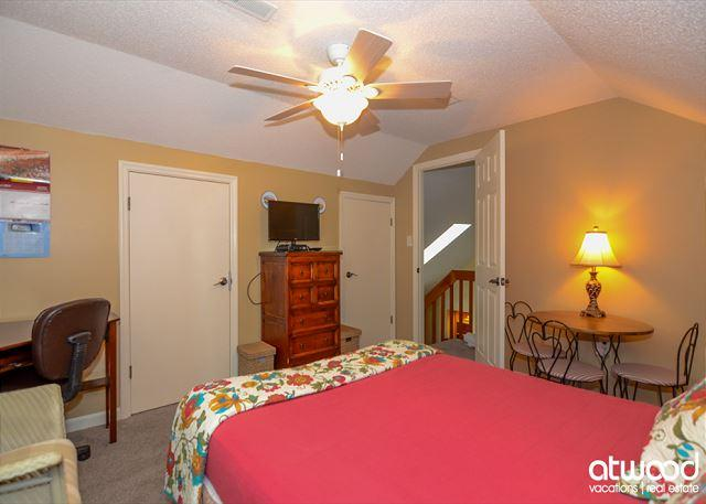Turtle Pond Pet Friendly Resort Cottage Has Washer And