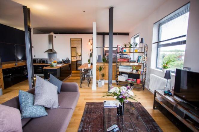 Stylish River Loft Apartment