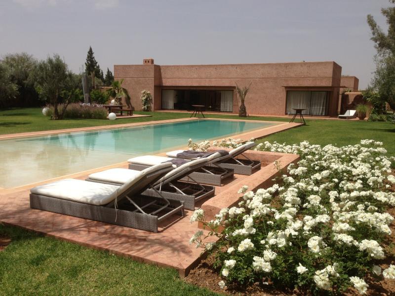 villa ultra moderne 480m avec piscine