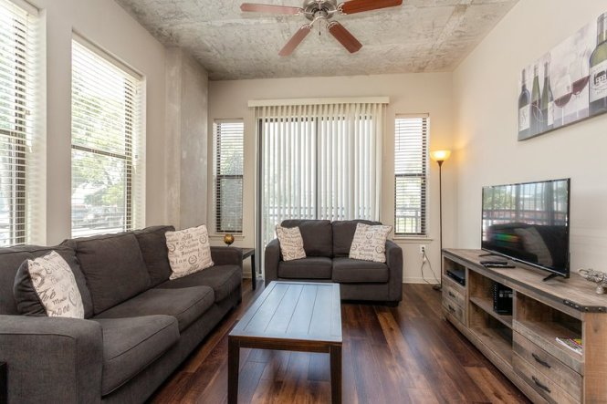 Heaven On Nashville 2 Bedroom Fully Furnished Apartments
