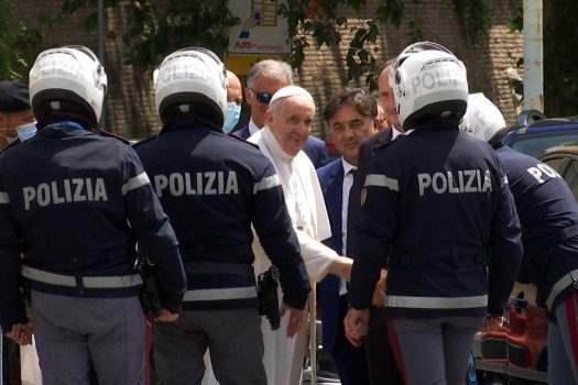 Pope Francis leaves hospital 10 days after surgery 2