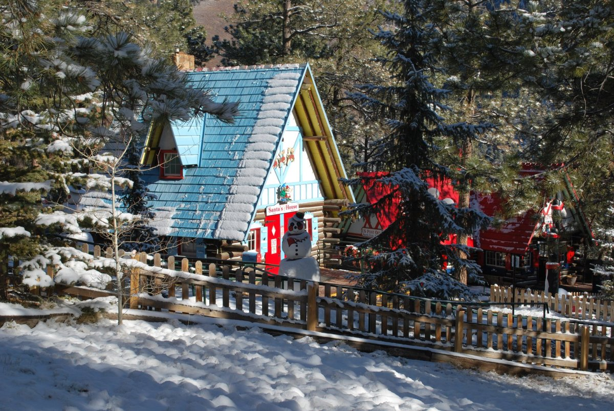 3 Magical Christmas Getaways in Colorado