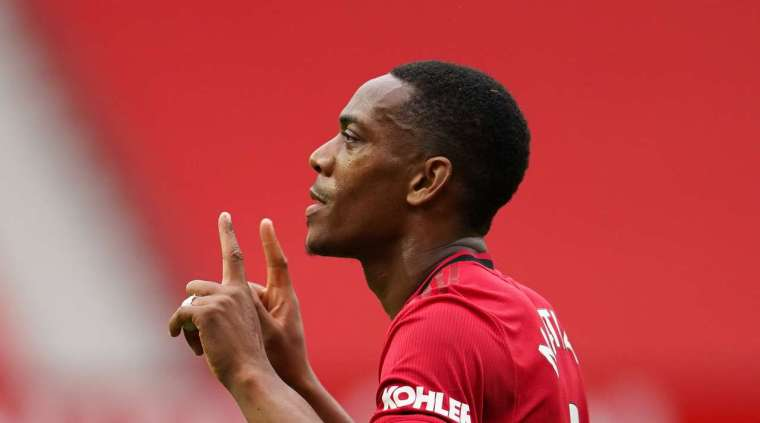 Goal - 3: 1 - 45 + 2 'Martial A. (Fernandes B. + Fernandes B.), Manchester United. Great goal. Anthony Martial (Manchester United) takes the ball and hits the bottom with an accurate shot in the lapping with the side bar.