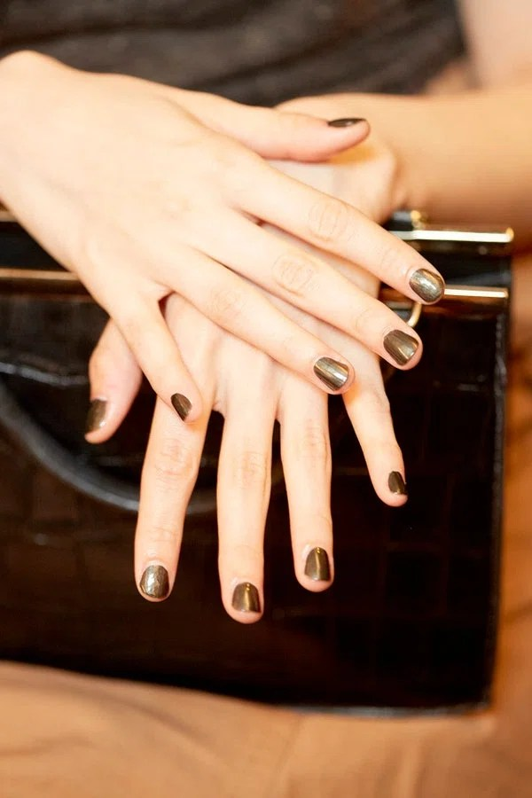 There's bronze, there's silver, there's gold...and at Marchesa, there's this silky pewter shade (it's ZOYA in Claudine—if you, like us, need this on your nails ASAP).