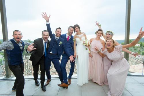 Les mariés et leurs témoins fun