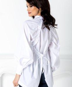 Camasa alba cu design deosebit la spate