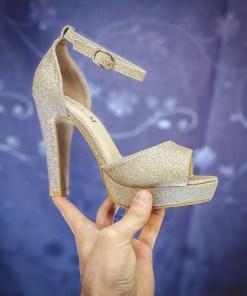 Sandale Regali aurii cu toc