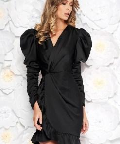 Rochie Ana Radu neagra de lux cu un croi mulat din material satinat cu decolteu in v cu volanase la baza rochiei