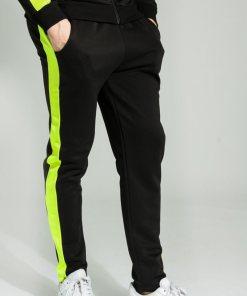 Pantaloni de trening negri cu dunga verde neon
