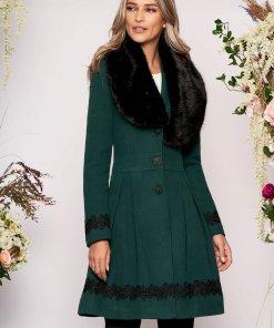 Palton LaDonna verde-inchis elegant lung in clos cu guler din blana ecologica si inchidere cu nasturi