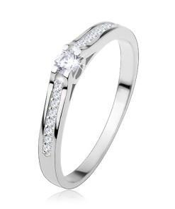 Bijuterii eshop - Inel din argint 925, brate îngusta lucioasa, zirconii transparente S60.18 - Marime inel: 48