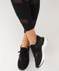 Adidasi din material elastic negru cu talpa groasa