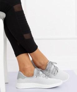 Adidasi gri din material textil